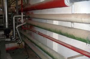 Tubazioni di impianto di riscaldamento con coibentazione in amianto